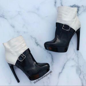 Alexander McQueen Bicolor platform ankle boots 35